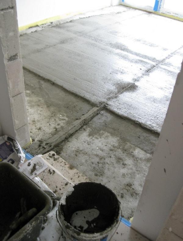 Как сделать стяжку пола в квартире
